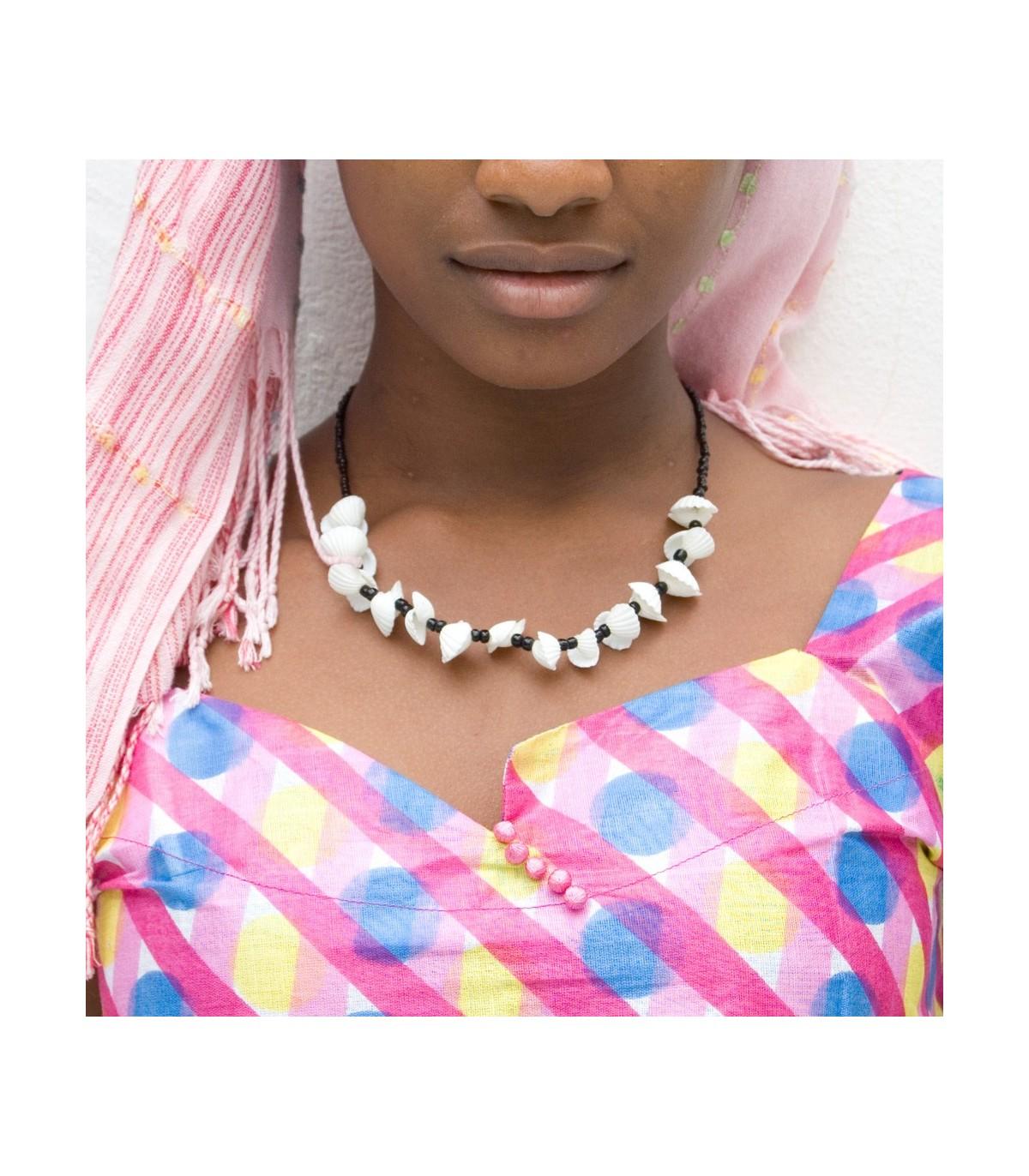 a5015a77e5e1 Collar Africano Conchas - Diseño Etnico - Artesano - Modelo 3 Online