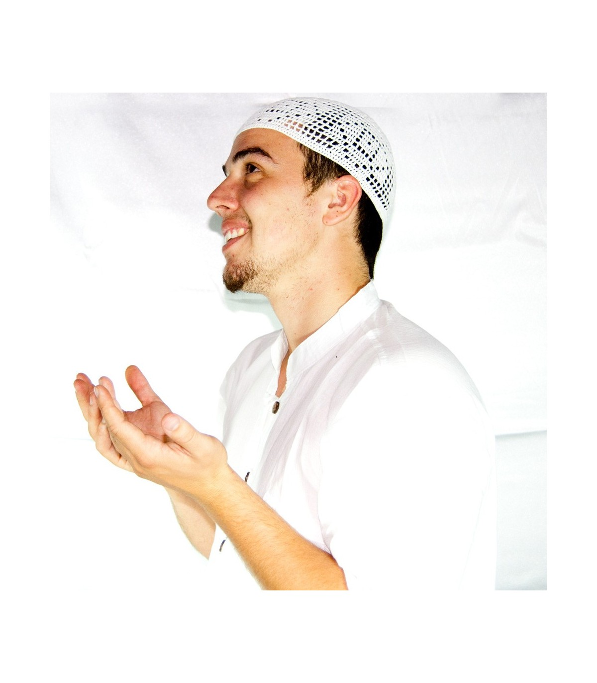 Gorros Salat Algodón Blanco - Talla Unica - Mosaico. Gorro Arabe Fez Rojo  Flecos - Gorro Marroquí - Gorro Moro 9b283f89efc