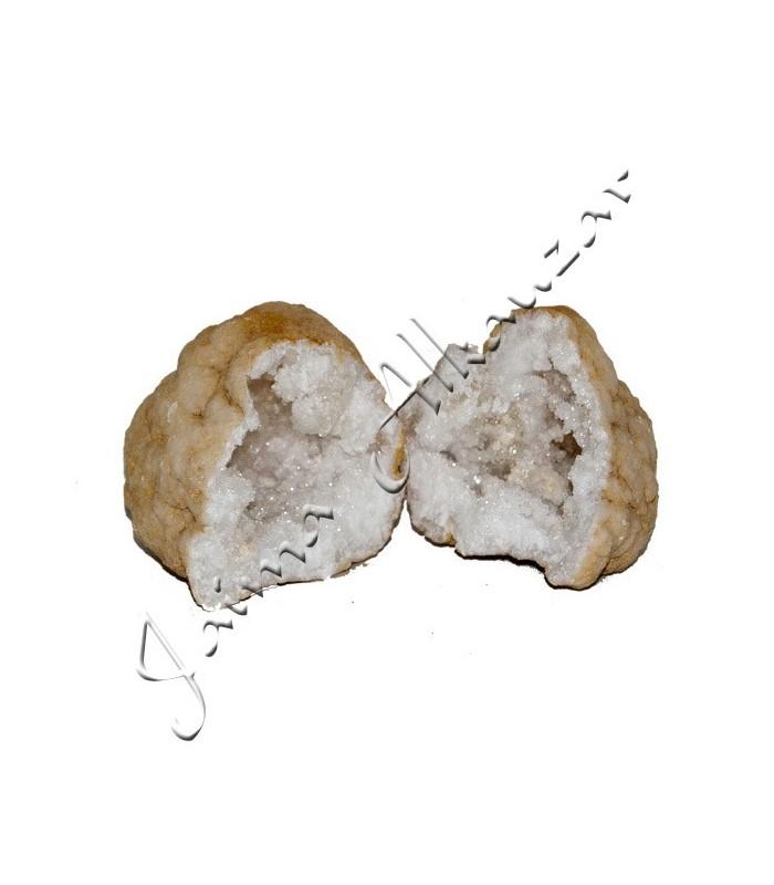 Geode - Rock Mineral - Quartz - opens in 2 pieces-15 cm