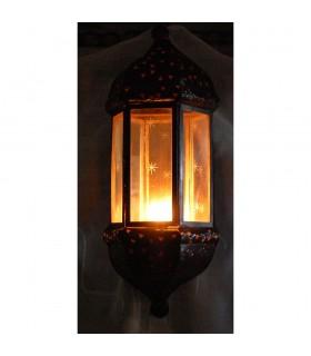 Anwenden von Eisen und Glas Kerze